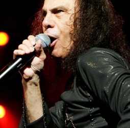 rs-8191-201216-ronnie-james-dio-picture-624x420-1353077310